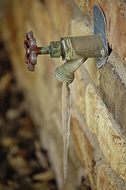 Der eingefrorene Wasserhahn